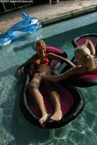 Lesbian-Orgy-Andi-in-swimming-pool-4some-%5Bx163%5D-o6xfwch1ym.jpg