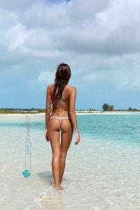 Sexy-Bikinis-CLOVER-Topless-07aapofnvo.jpg